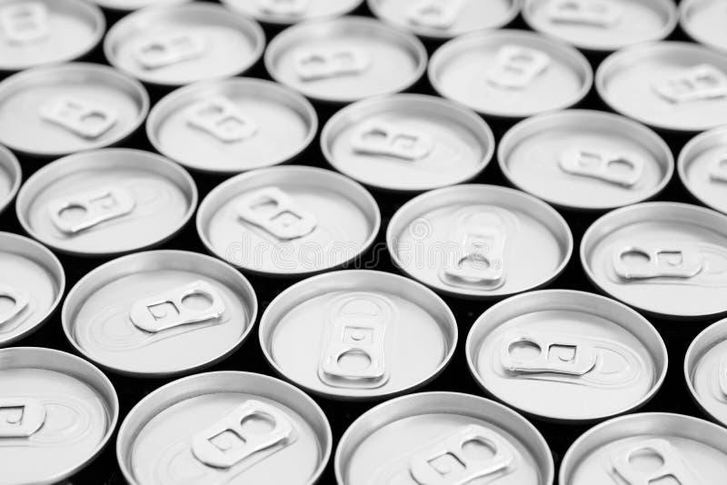 能敲响拉扯许多铝的金属饮料减少废铆钉的开启者锡 免版税库存图片
