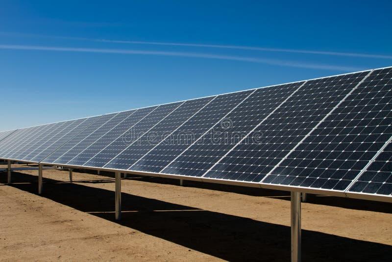 能源农厂太阳面板的次幂 免版税库存图片
