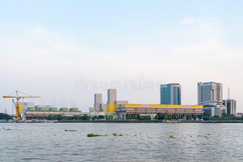 能源厂在曼谷市 免版税库存照片