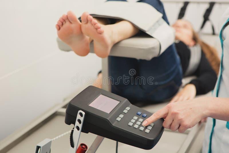 脊髓解压疗法 库存图片