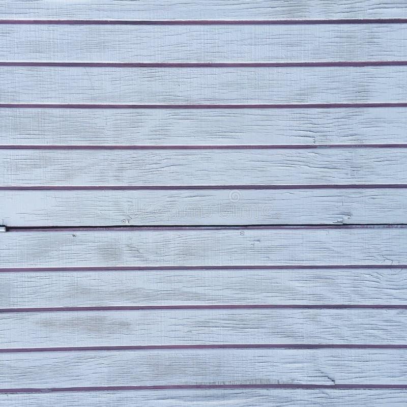 脏的困厄的白色木织地不很细篱芭 图库摄影