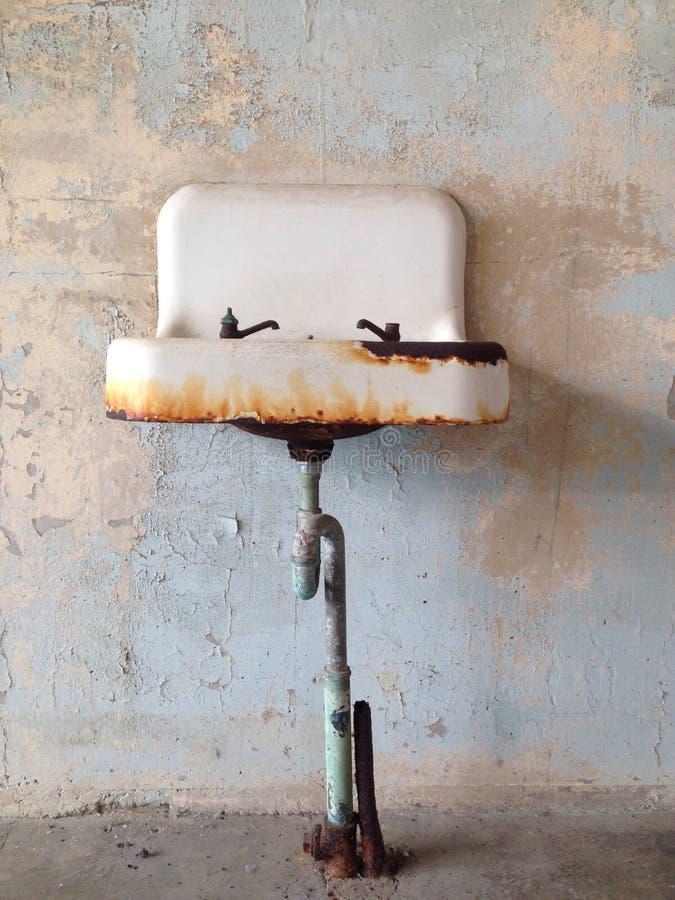 脏的水槽 图库摄影