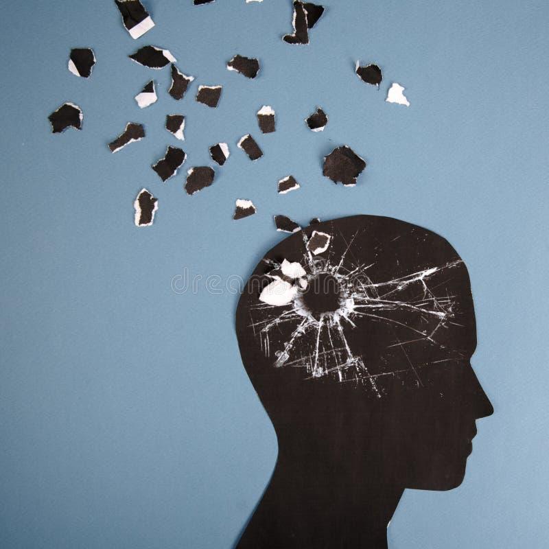 脑子人头提出的混乱标志做了形式纸 老年痴呆症的,老年痴呆,记忆创造性的想法 库存照片