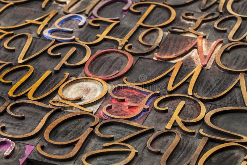 脚本字体木头类型 库存图片