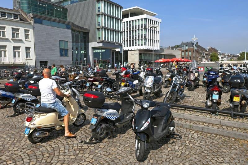脚踏车在市中心被取缔在马斯特里赫特 免版税库存图片