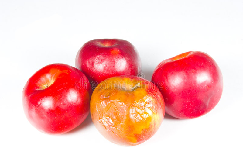 腐烂苹果的束 免版税库存图片