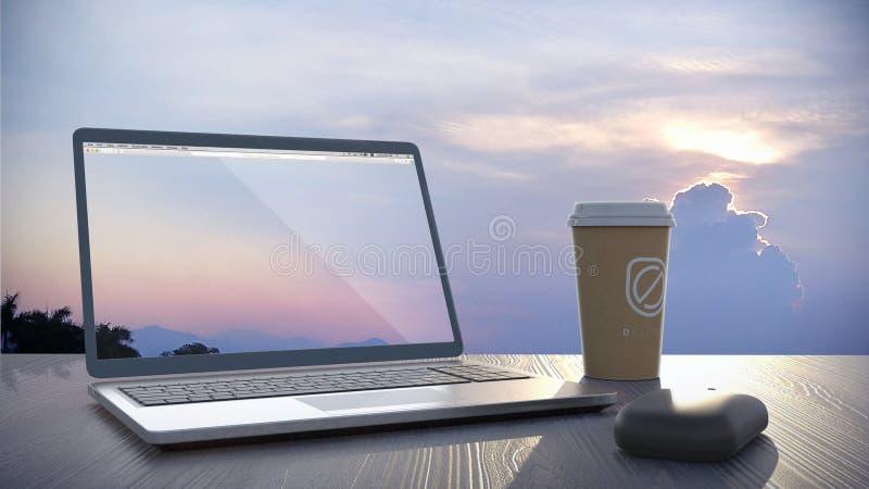 膝上型计算机、老鼠&咖啡在一张桌上在日落 库存图片