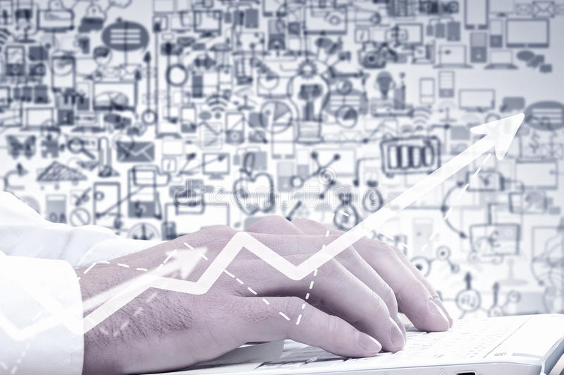 Download 膝上型计算机人使用 库存图片. 图片 包括有 电子, 工作场所, 计算, 万维网, 键盘, 硬件, 技术支持 - 59105289