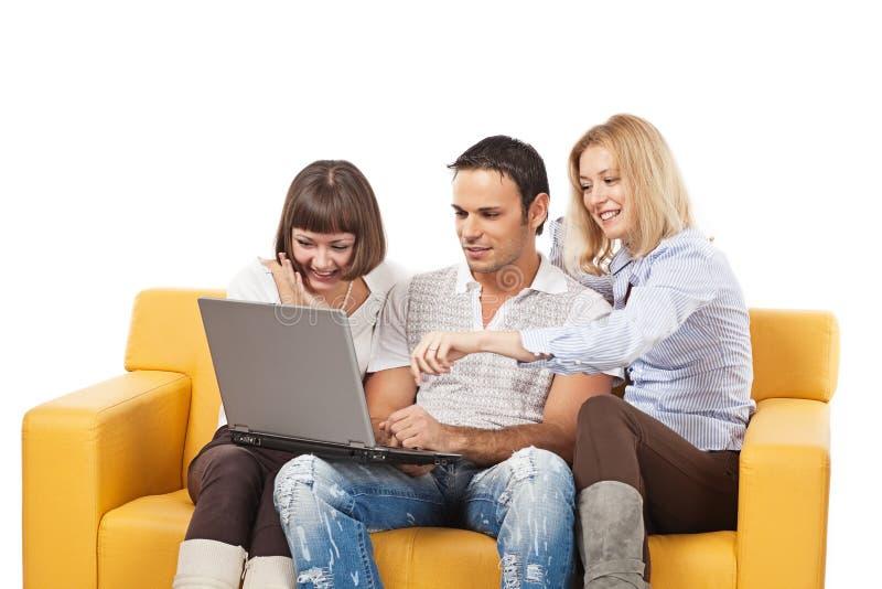 膝上型计算机人年轻人 免版税图库摄影