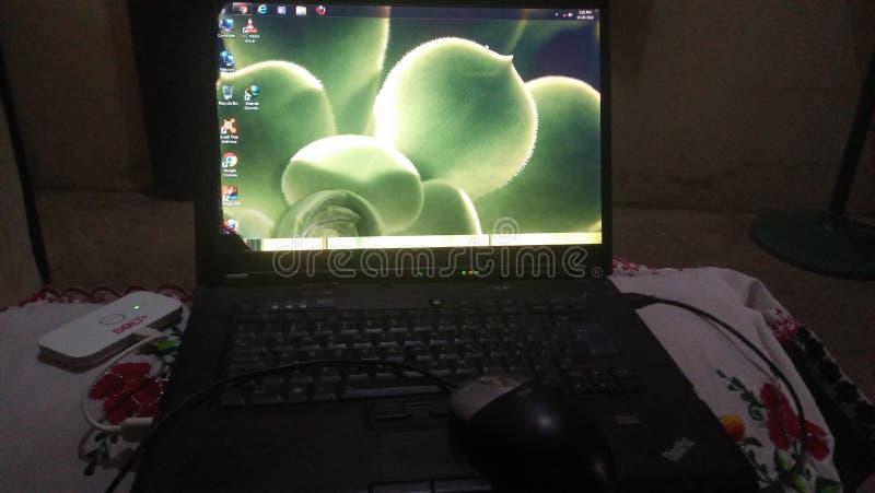 膝上型计算机屏幕联想 库存图片