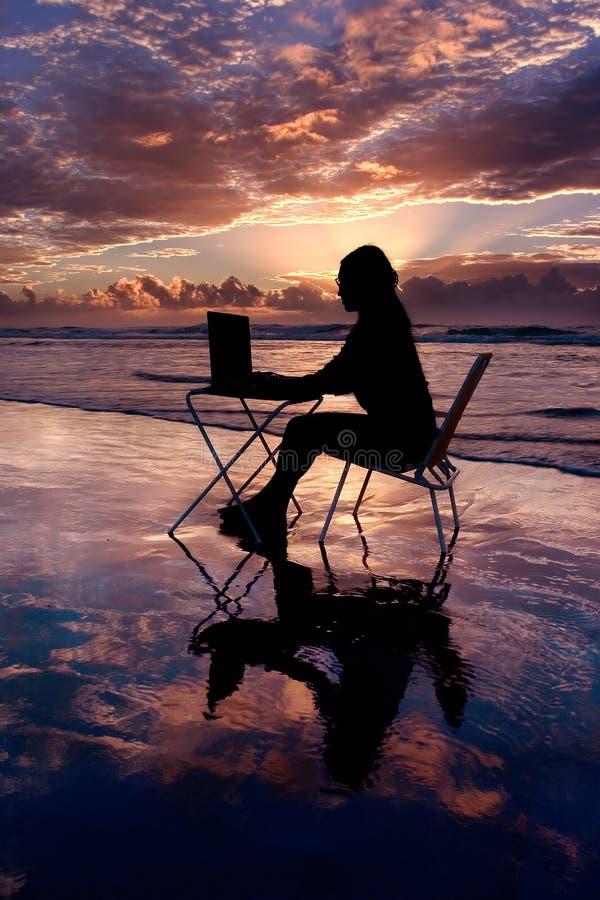膝上型计算机工作 库存照片