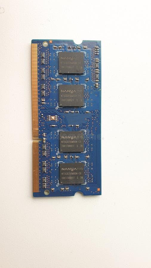 膝上型计算机的蓝色随机存储存储器芯片 免版税库存图片