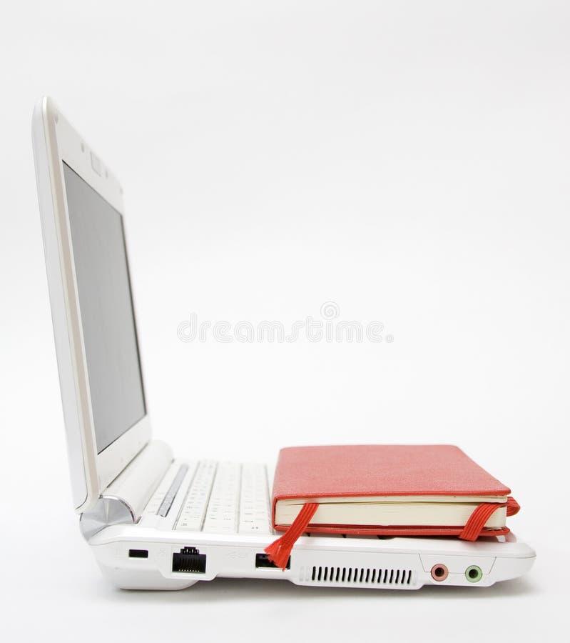 膝上型计算机笔记本白色 库存图片