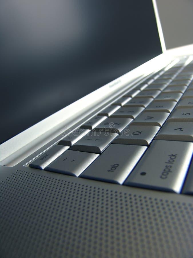 膝上型计算机