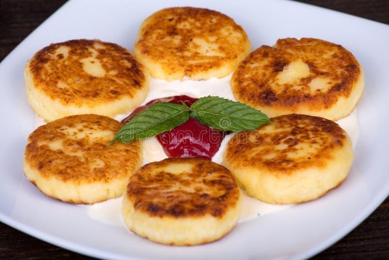 自创乳酪薄煎饼 免版税库存照片