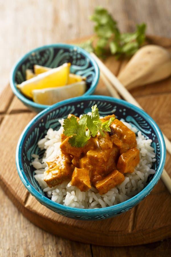 自创传统鸡咖喱用米用新鲜的草本 库存图片