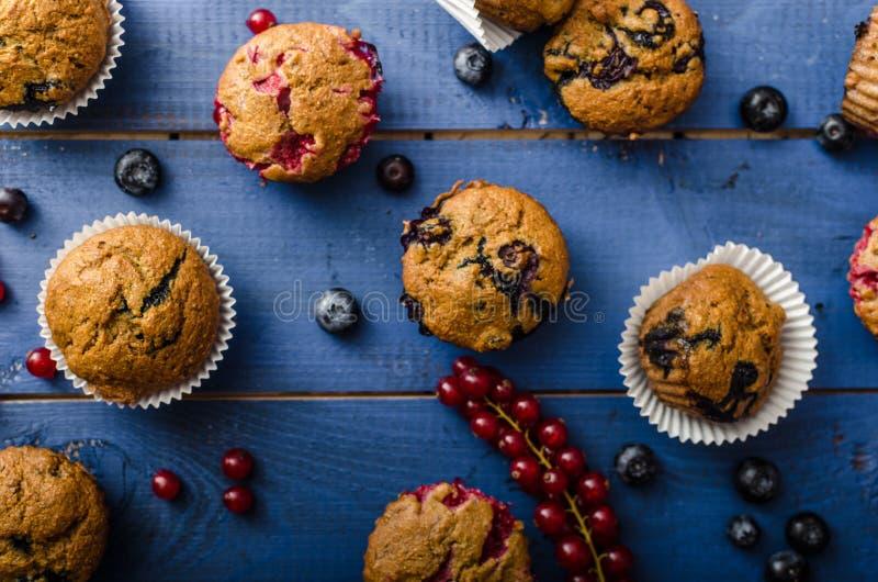 自创健康松饼用果子 免版税库存图片