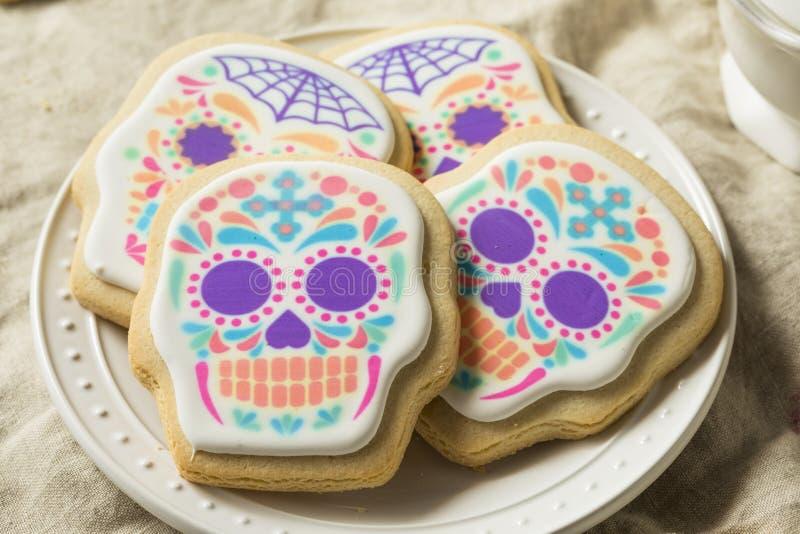 自创墨西哥糖头骨曲奇饼 免版税图库摄影