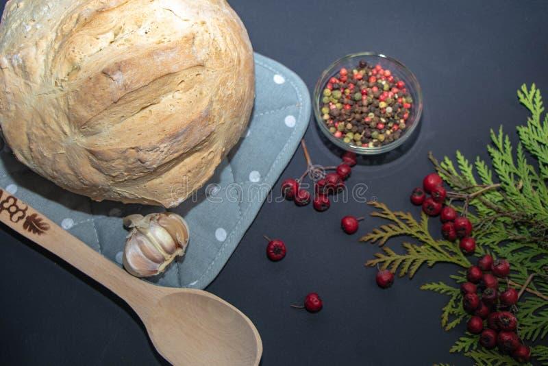 自创新近地被烘烤的面包 免版税库存图片