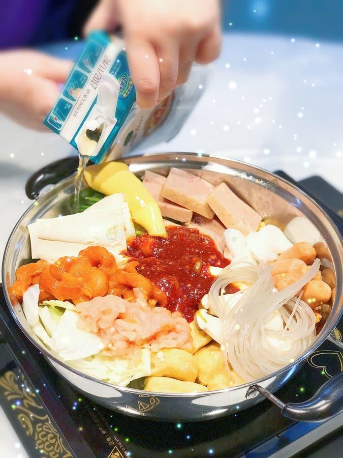 自创朝军的炖煮的食物 免版税图库摄影