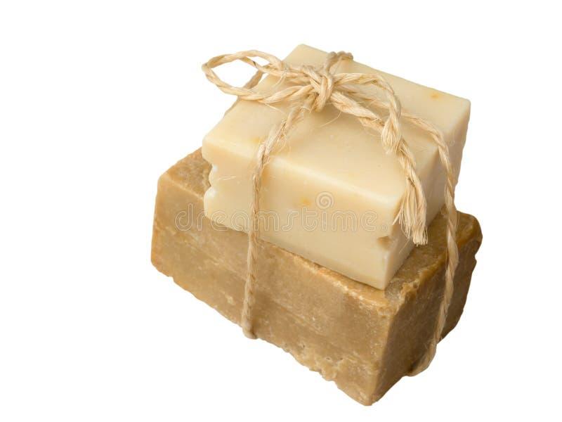 自创橄榄油肥皂栓与黄麻绳索 免版税库存图片
