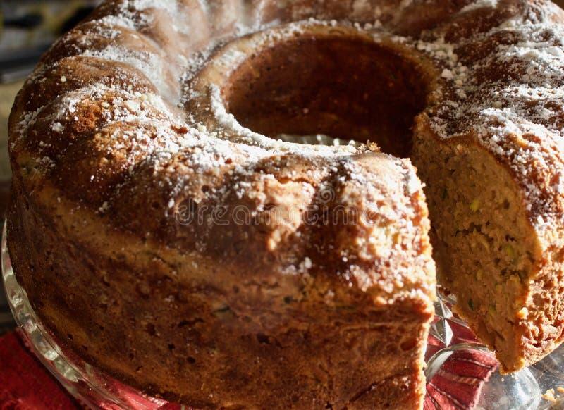 自创池塘形式蛋糕 免版税库存图片