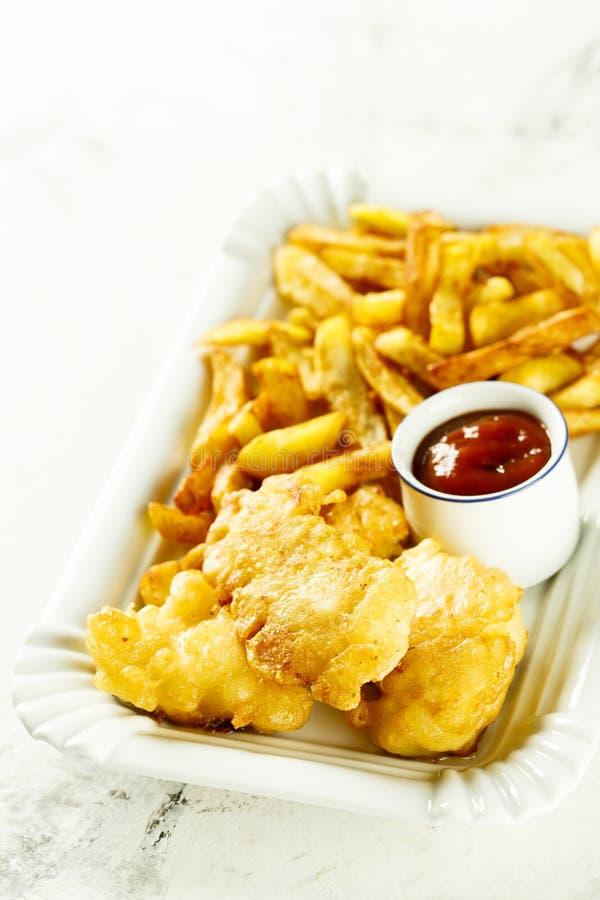 自创炸鱼加炸土豆片用调味汁 图库摄影