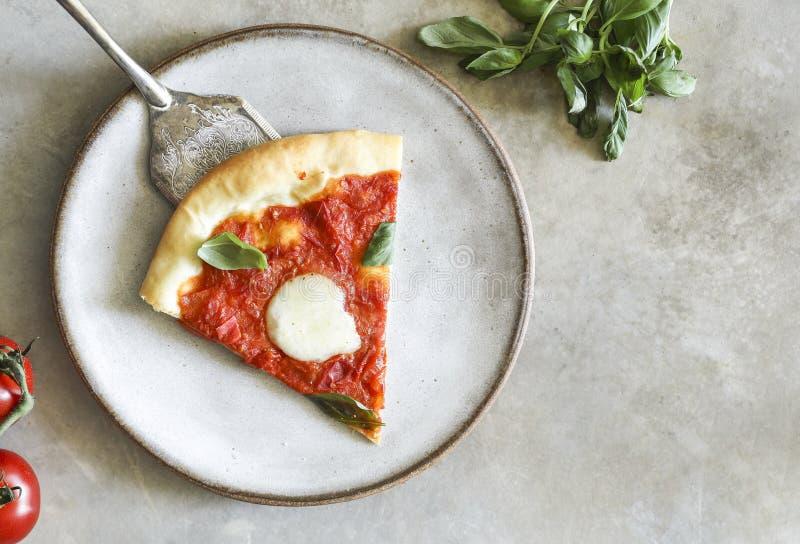 自创素食主义者马尔盖里塔比萨食物摄影 图库摄影