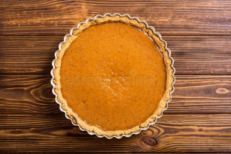 自创美国传统南瓜饼秋天食物背景 免版税图库摄影