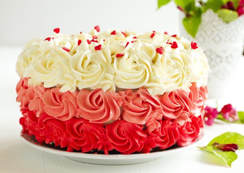 自创蛋糕红色天鹅绒 库存图片