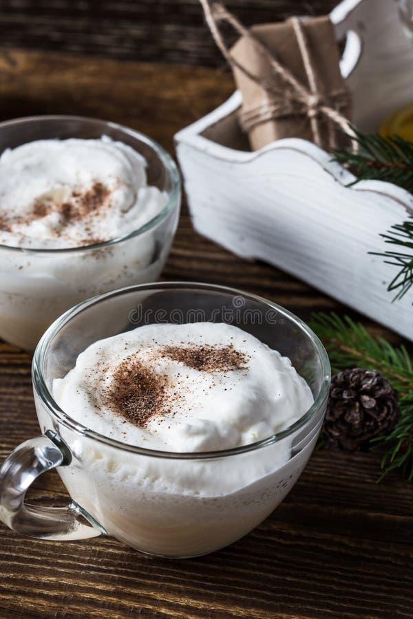 自创蛋黄乳,圣诞节假日款待 免版税库存照片