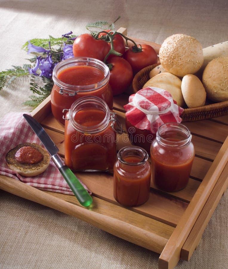 自创调味汁蕃茄 免版税库存图片