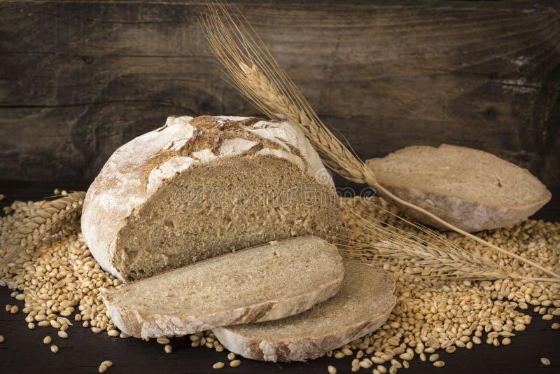 自创黑麦面包 免版税库存图片