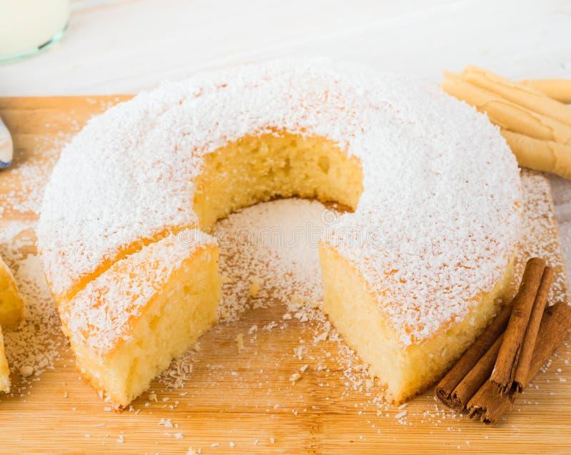 自创bundt蛋糕 库存图片