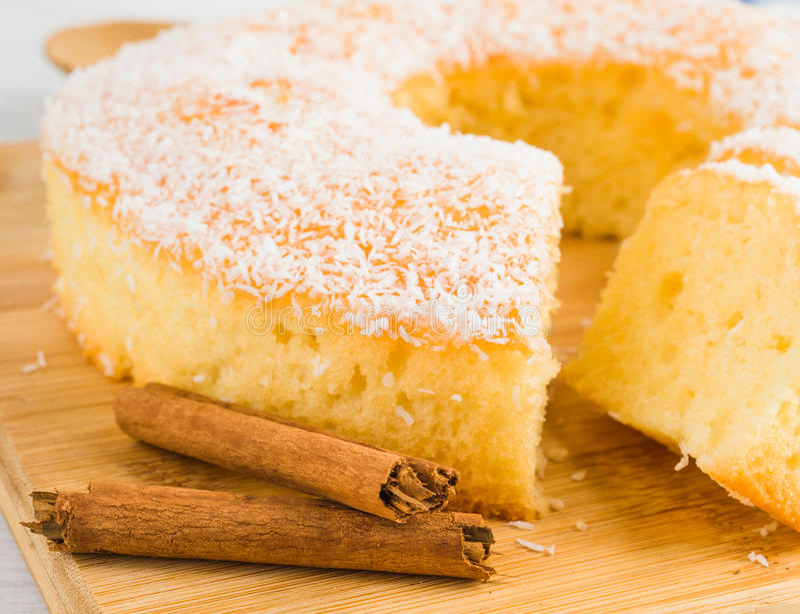 自创bundt蛋糕 免版税图库摄影
