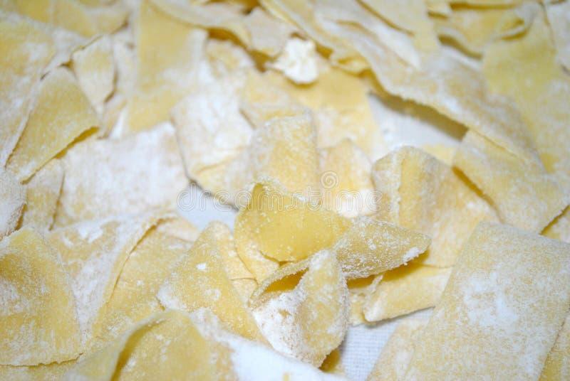 自创pappardelle,典型的意大利面团,关闭 库存图片