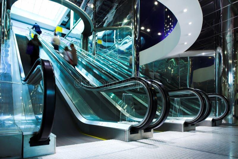 自动扶梯现代移动办公室 免版税库存图片