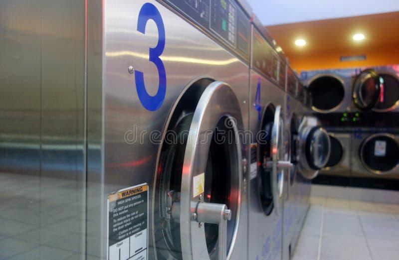 自助式洗衣在巴塞罗那 免版税库存图片