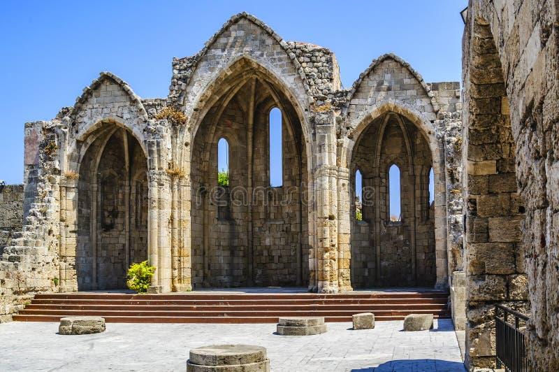 自治都市教会的维尔京 14世纪的中世纪废墟 罗得岛,希腊 库存照片