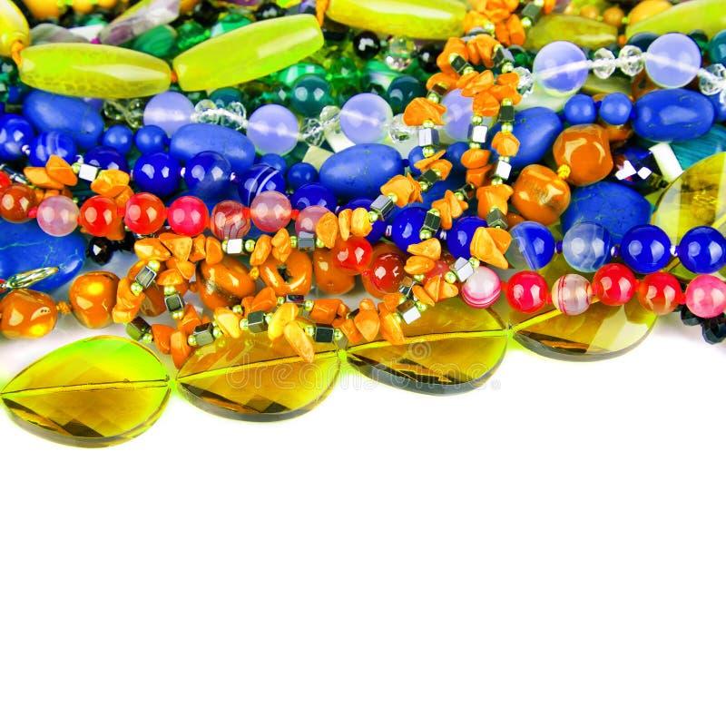 自然五颜六色的石头从不同的矿物查出的o成串珠状 图库摄影