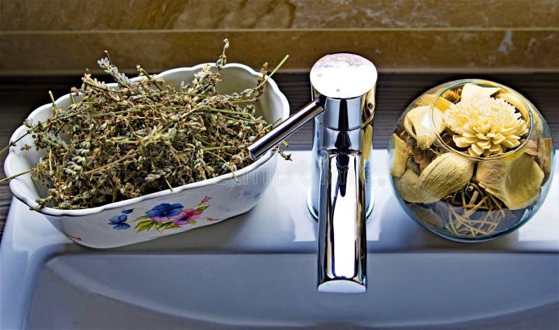 自然健康和严谨生活:轻拍的自然的芳香气味 库存照片