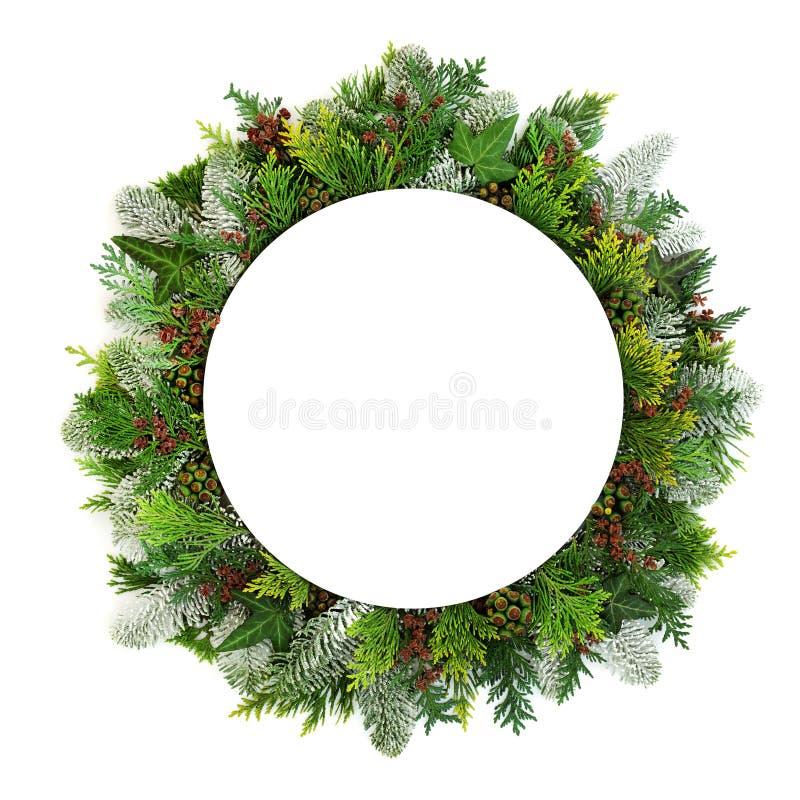 自然圣诞桌设置 免版税库存图片