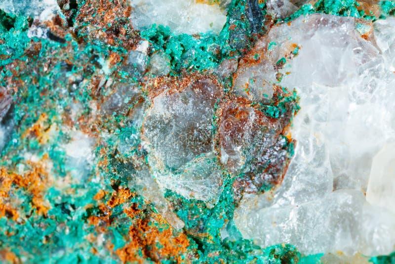 自然宝石宏观射击  绿沸铜矿物纹理  抽象背景 免版税图库摄影