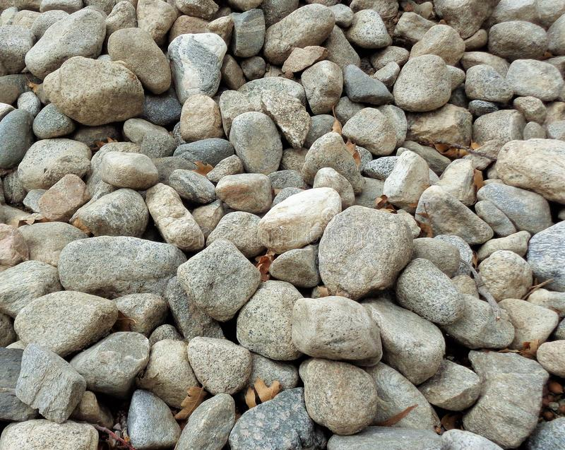 自然河岩石的一汇集背景的2 库存图片