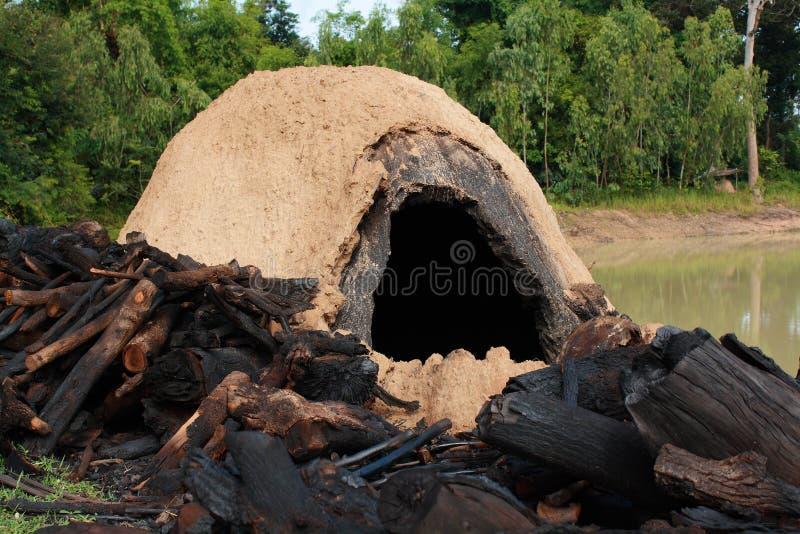 自然焚秽炉 免版税库存照片