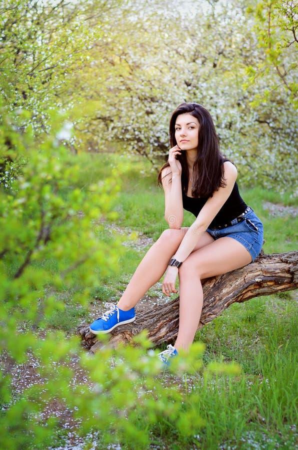自然的一个女孩 免版税图库摄影