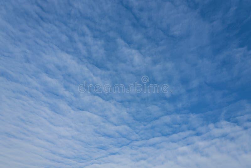 自然风景天空蔚蓝和cloudscape 库存图片