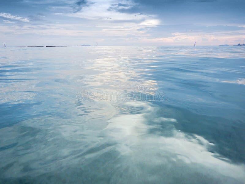 自然巴恩在海 库存照片