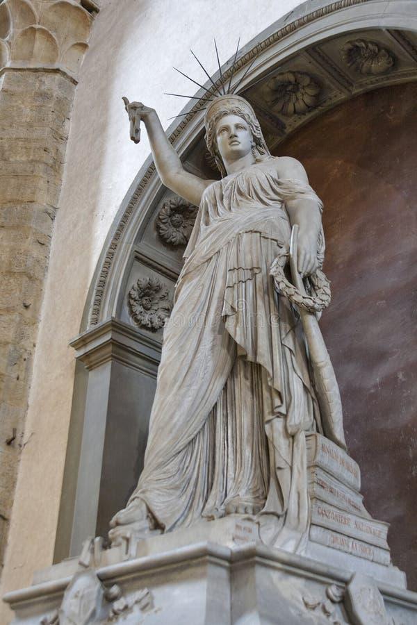 自由女神像在大教堂三塔Croce,佛罗伦萨的Fedi 库存照片