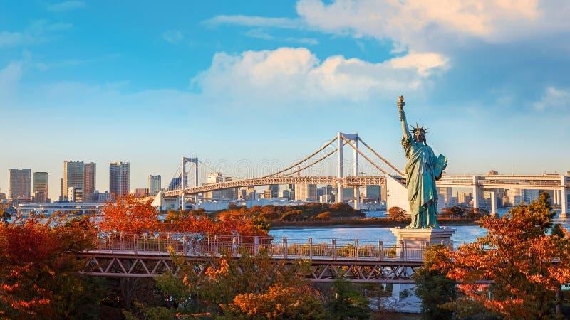 自由女神像在Odaiba地区,东京,日本 免版税库存照片